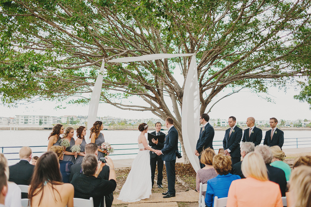Eves on the River Wedding with Brisbane Celebrant Jamie Eastgate. Image by Anthony Hoang