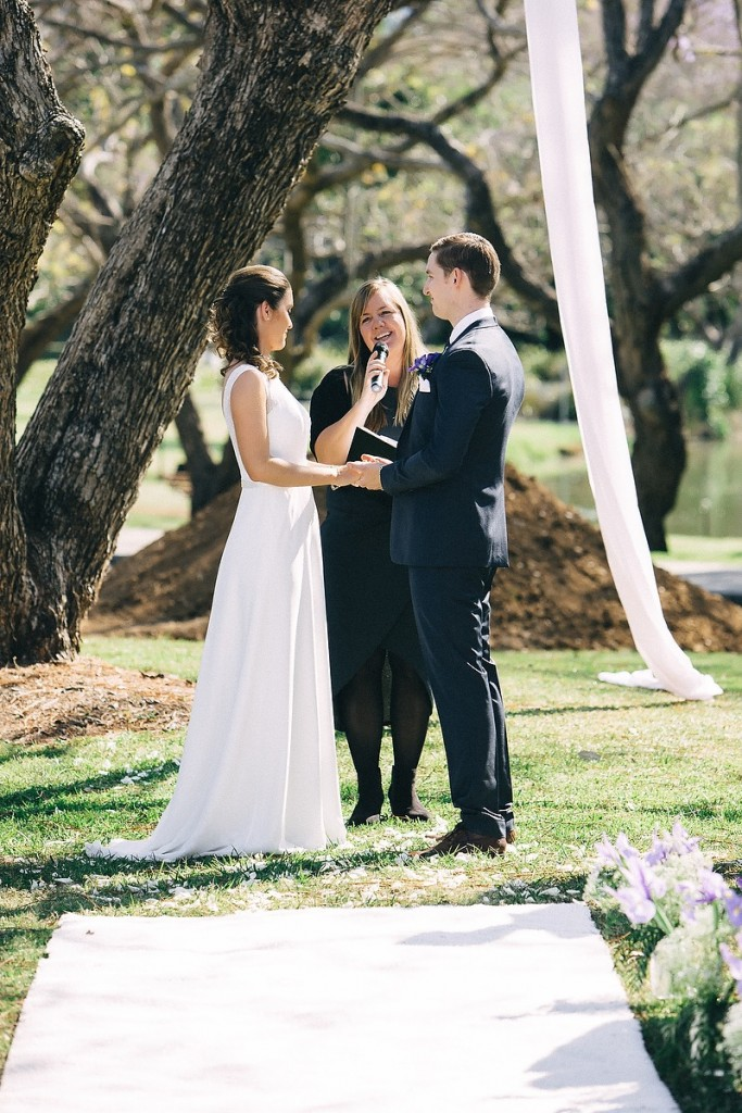 UQ wedding ceremony with Brisbane Wedding Celebrant Ciara Hodge