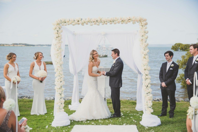 Wedding arbour by Brisbane Wedding Decorators