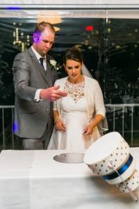 Wedding Cake falling