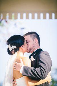The wedding kiss at Brisbane Golf Club