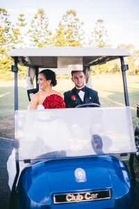 brisbane-golf-club-wedding-celebrant-golf-buggy